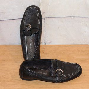 Size 7.5 7 1/2 Black Leather Loafers